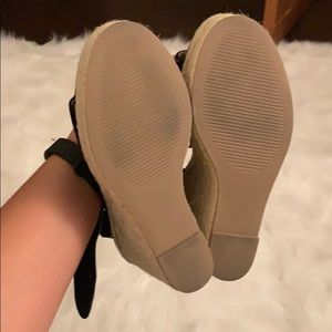 Steve Madden Shoes - NEVER WORN! STEVE MADDEN SANTORINI WEDGE
